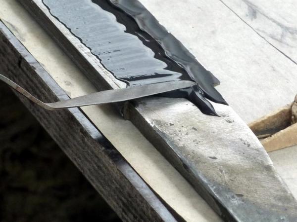 Trempe par Manabe Sumihira : application de l'argile