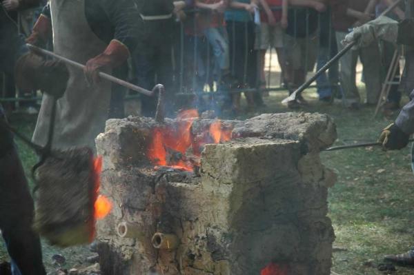 Bas-fourneau à Montrozier en 2008