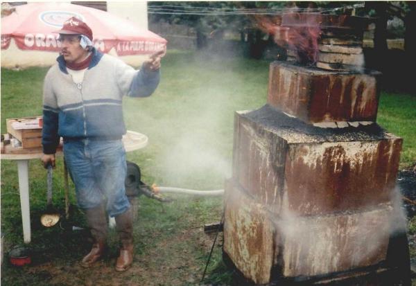 Tatara à Bozouls en 1999 - 2ème bas fourneau réalisé par Dominique